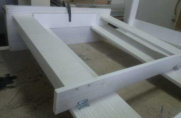 Stol raskladnoi konstrukciya
